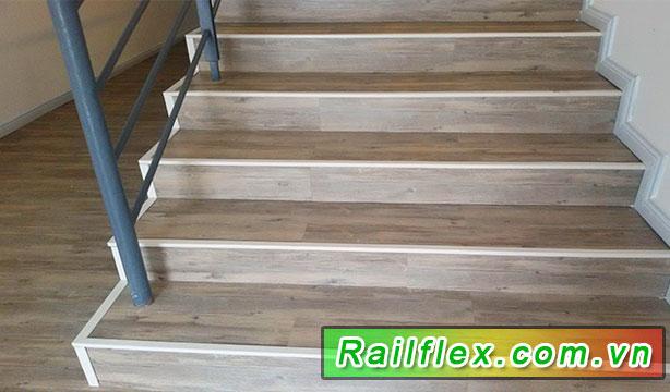 Hình sản nhựa cho cầu thang đi bộ phổ biến